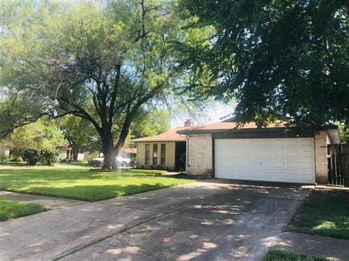 Photo of 11938 Paramount Lane, Houston, TX 77067 (MLS # 37103513)