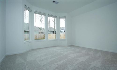 Tiny photo for 148 E East Cascade Heights Drive, Montgomery, TX 77316 (MLS # 88688513)
