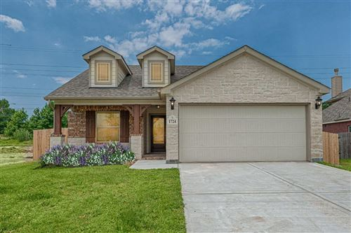 Photo of 15031 Meadow Glen N, Conroe, TX 77306 (MLS # 12084515)