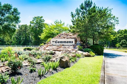 Photo of 322 High Point Crossing, Huffman, TX 77336 (MLS # 60440515)