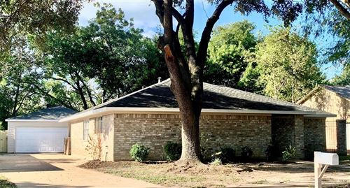 Photo of 10510 Tenneta Drive, Houston, TX 77099 (MLS # 39554518)
