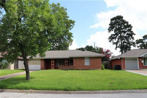 Photo of 1422 Wilde Rock Way, Houston, TX 77018 (MLS # 15225528)