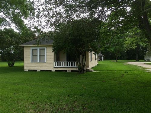 Photo of 17119 Highway 35 #A, Pearland, TX 77581 (MLS # 86952529)