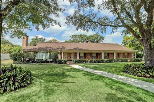 Photo of 5504 Sturbridge Drive, Houston, TX 77056 (MLS # 27436532)