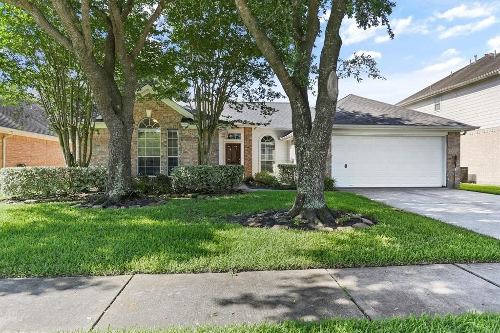 Photo for 16123 Aberdeen Forest Drive, Houston, TX 77095 (MLS # 34711532)