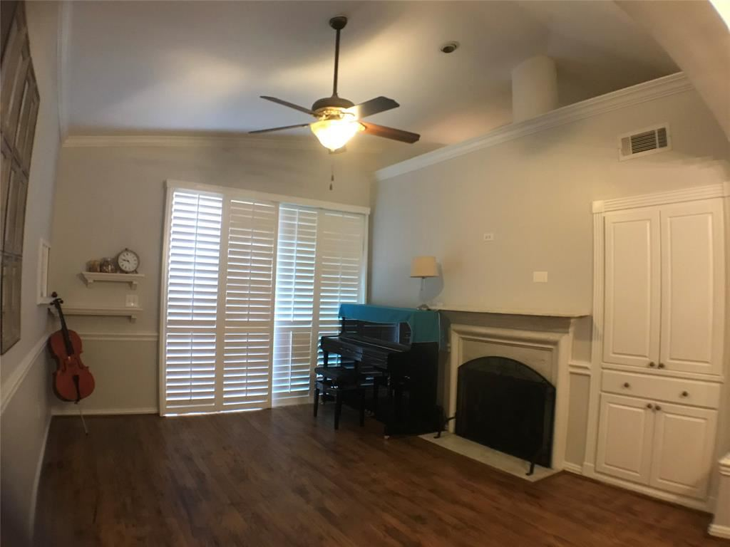 Photo for 2100 Welch Street #C321, Houston, TX 77019 (MLS # 89724533)