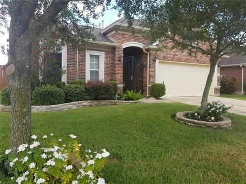 Photo of 2082 Silverthorn Lane, Kemah, TX 77565 (MLS # 98990537)