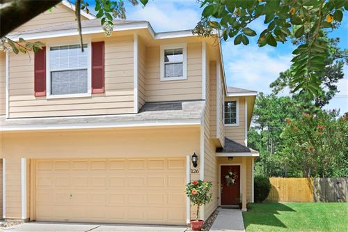 Photo of 126 E Stedhill Loop, The Woodlands, TX 77384 (MLS # 89545538)