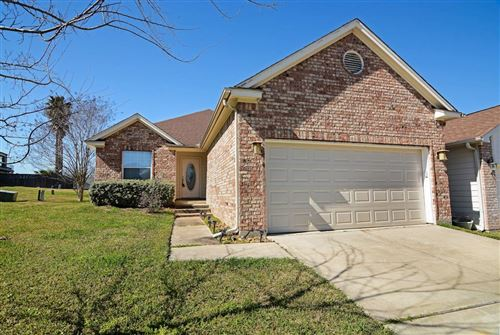 Photo of 105 Cove Place Court, Conroe, TX 77356 (MLS # 72783540)