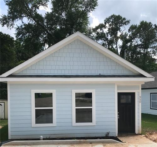 Photo of 858 Omeara, Montgomery, TX 77316 (MLS # 52795551)