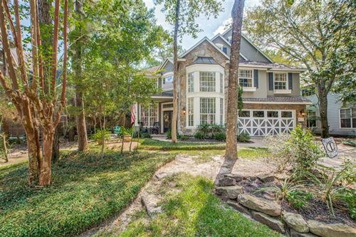 Photo of 19 Classic Oaks Place, The Woodlands, TX 77382 (MLS # 70144551)