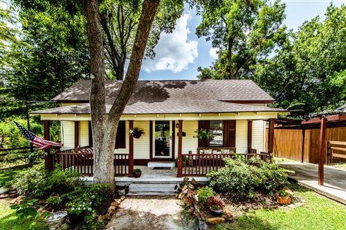 Photo of 908 Sam Houston Avenue, Huntsville, TX 77320 (MLS # 86994552)