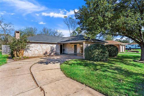 Photo of 308 Brandywyne Drive, Friendswood, TX 77546 (MLS # 37388553)
