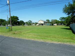 Photo of 715 E Bayshore Drive, San Leon, TX 77539 (MLS # 71031554)