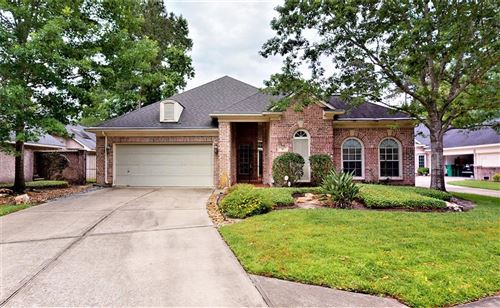 Photo of 10 E Palmer Bend, The Woodlands, TX 77381 (MLS # 88234554)