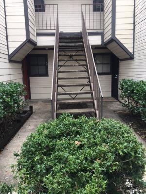 Photo of 13480 S Thorntree Drive #404, Houston, TX 77015 (MLS # 46085556)