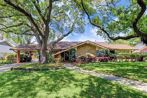 Photo of 5686 Bayou Glen Road, Houston, TX 77056 (MLS # 39525560)