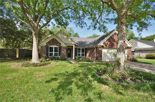 Photo of 2318 Francis Drive, Pearland, TX 77581 (MLS # 68562560)
