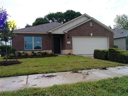Photo of 627 E Fairway Lake Drive, Alvin, TX 77511 (MLS # 84087562)