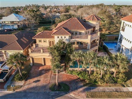 Photo of 530 Villa Drive, Seabrook, TX 77586 (MLS # 42123567)