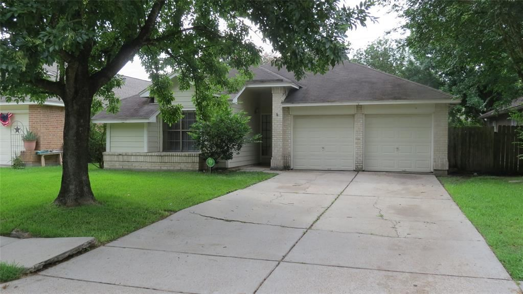 Photo for 8618 Spring Green Drive, Houston, TX 77095 (MLS # 67755567)