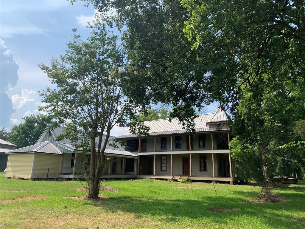 Photo for 623 Old Plantersville Road, Montgomery, TX 77316 (MLS # 60429569)