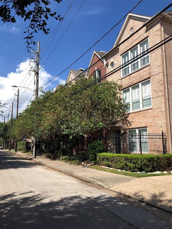 Photo for 1508 W Webster Street, Houston, TX 77019 (MLS # 27346570)