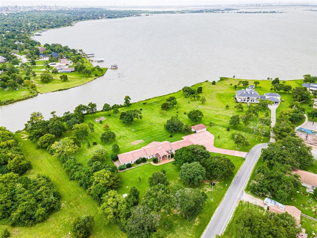 Photo for 256 Mable Street, Baytown, TX 77520 (MLS # 22283571)