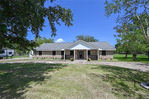 Photo of 6911 Greenbriar Street, Santa Fe, TX 77510 (MLS # 10089572)
