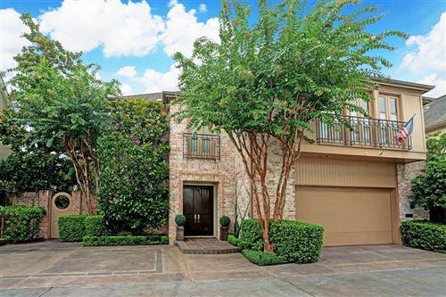 Photo of 5132 Longmont Drive, Houston, TX 77056 (MLS # 7095572)