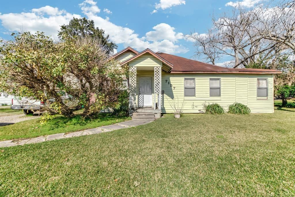 Photo for 7157 Airport Boulevard, Houston, TX 77061 (MLS # 17401579)