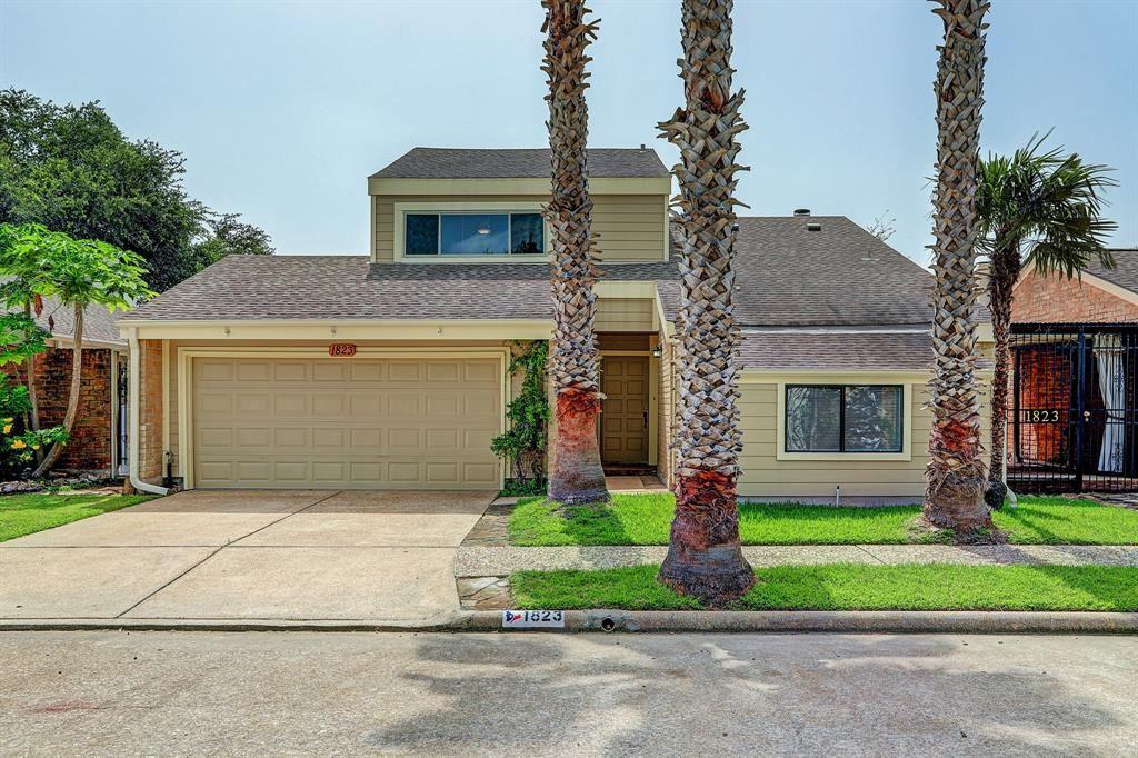 Photo for 1823 Barleton Way, Houston, TX 77058 (MLS # 16238586)