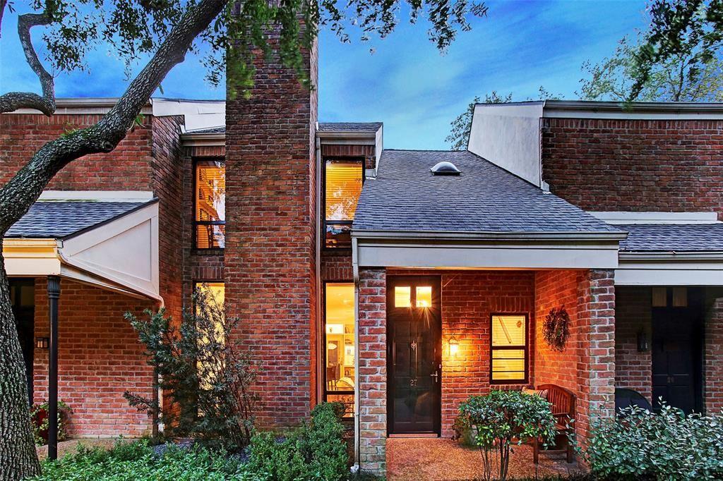 Photo for 2901 Bammel Lane #27, Houston, TX 77098 (MLS # 27528587)