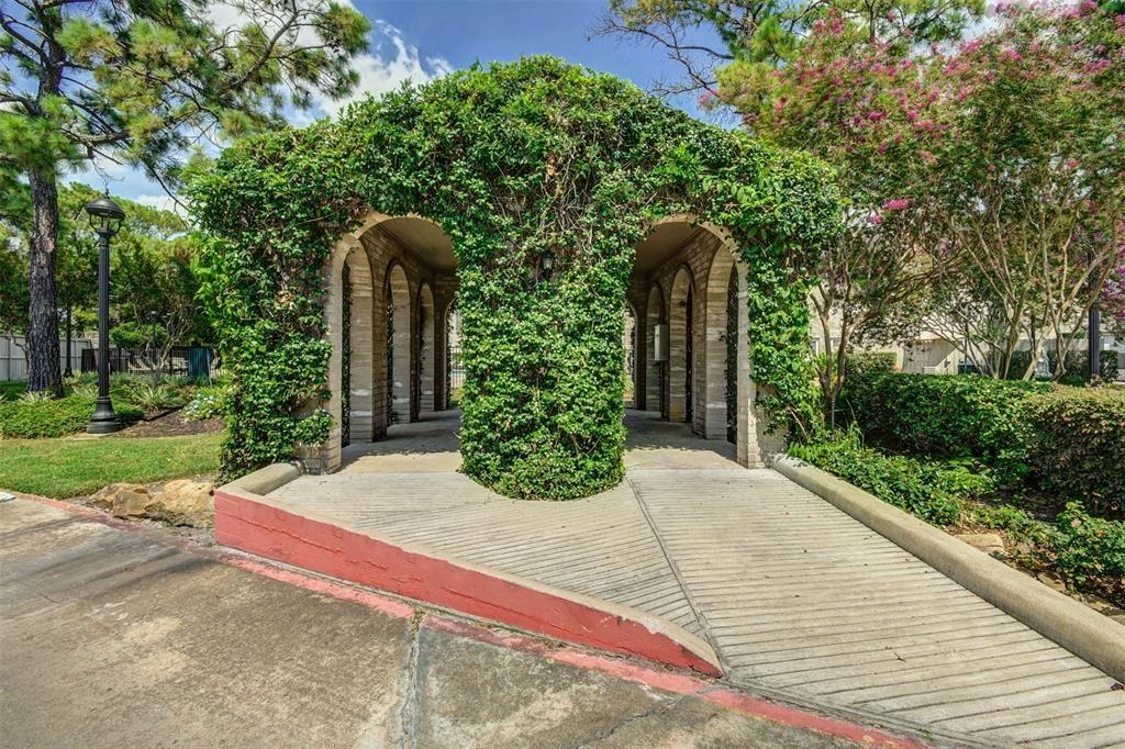 Photo for 3102 Holly Hall Street #3102, Houston, TX 77054 (MLS # 73798587)
