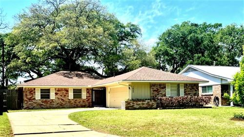 Photo of 1425 Wisterwood Dr, Houston, TX 77043 (MLS # 9926589)