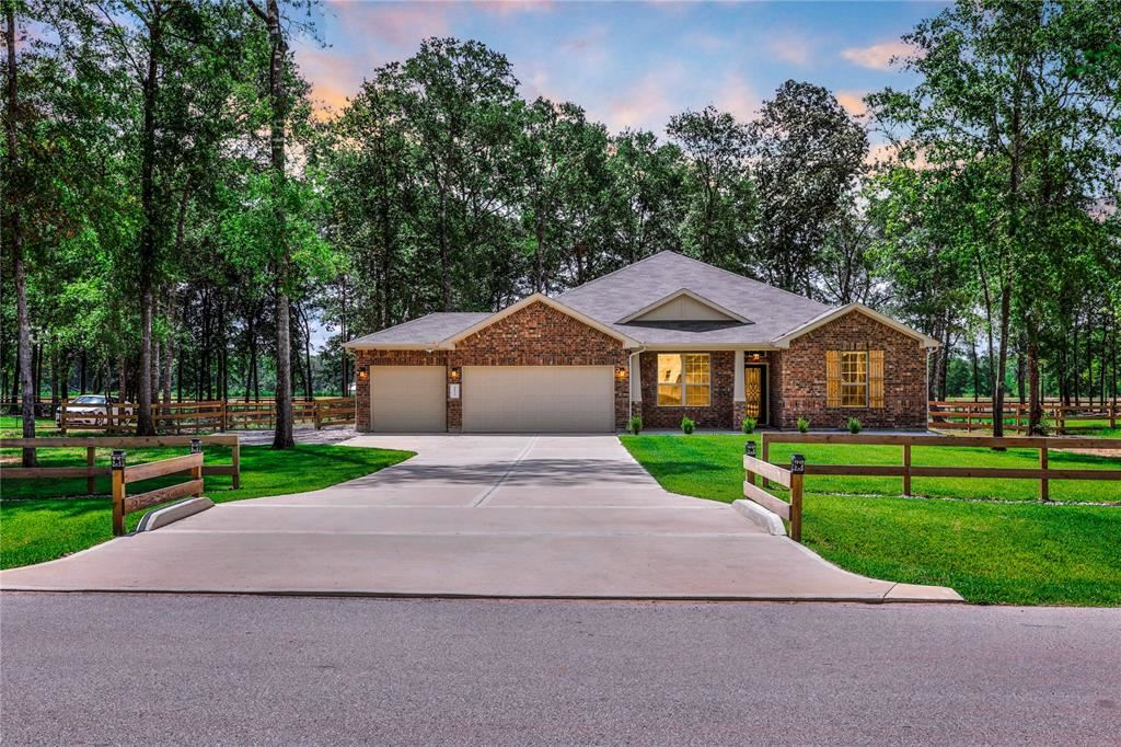 Photo for 9135 White Tail Drive, Conroe, TX 77303 (MLS # 85804590)