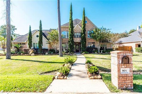 Photo of 801 Shady Bend Lane, Friendswood, TX 77546 (MLS # 97957591)
