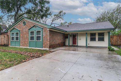 Photo of 4123 Hill Oak Drive, Houston, TX 77092 (MLS # 31684593)