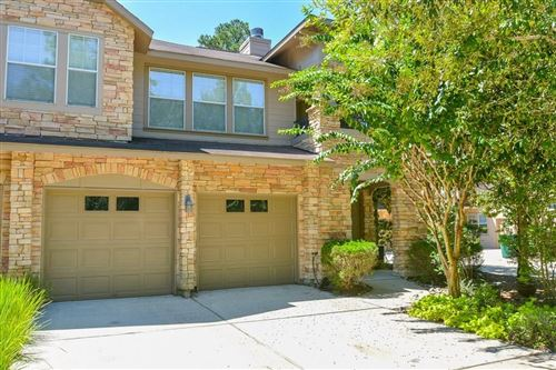 Photo of 60 Woodlily Place, The Woodlands, TX 77382 (MLS # 861593)