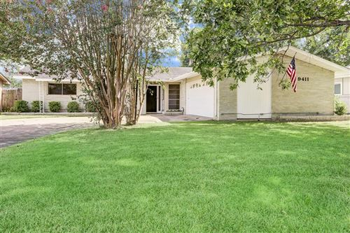 Photo of 9411 Highmeadow Drive, Houston, TX 77063 (MLS # 67073598)