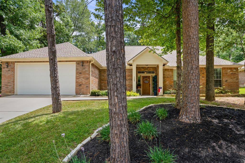 1908 Green Briar Drive, Huntsville, TX 77340 - MLS#: 88656599
