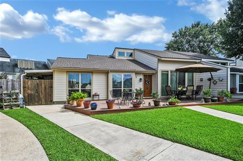 Photo of 5 April Point Drive, Conroe, TX 77356 (MLS # 30887600)