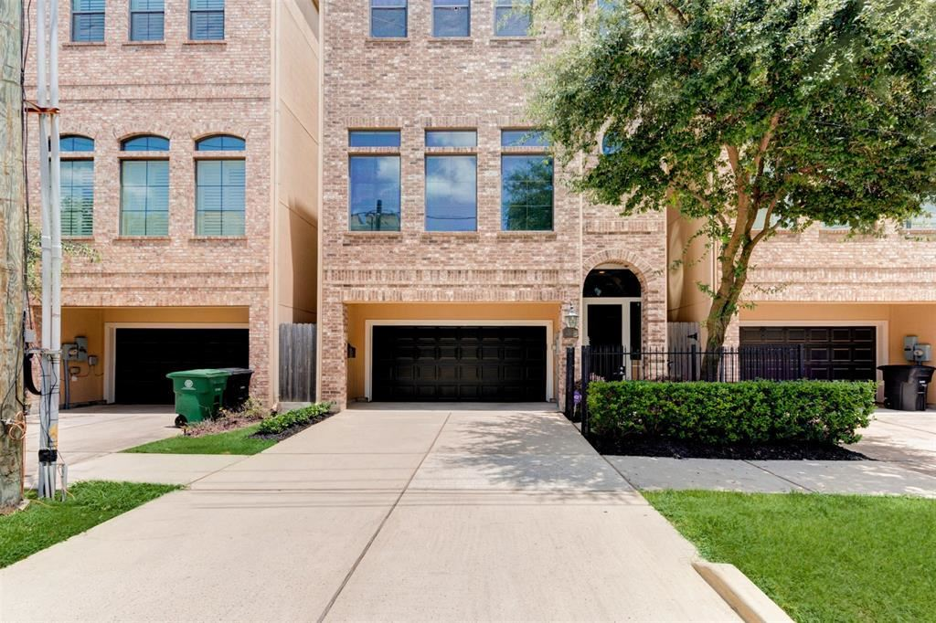 Photo for 1712 Silver Street, Houston, TX 77007 (MLS # 13648602)