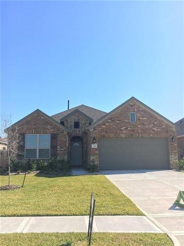 Photo of 4219 W Bayou Maison Circle, Dickinson, TX 77539 (MLS # 75158605)