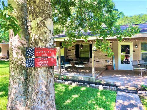 Photo of 23647 Horseshoe Bend, Montgomery, TX 77316 (MLS # 6230610)
