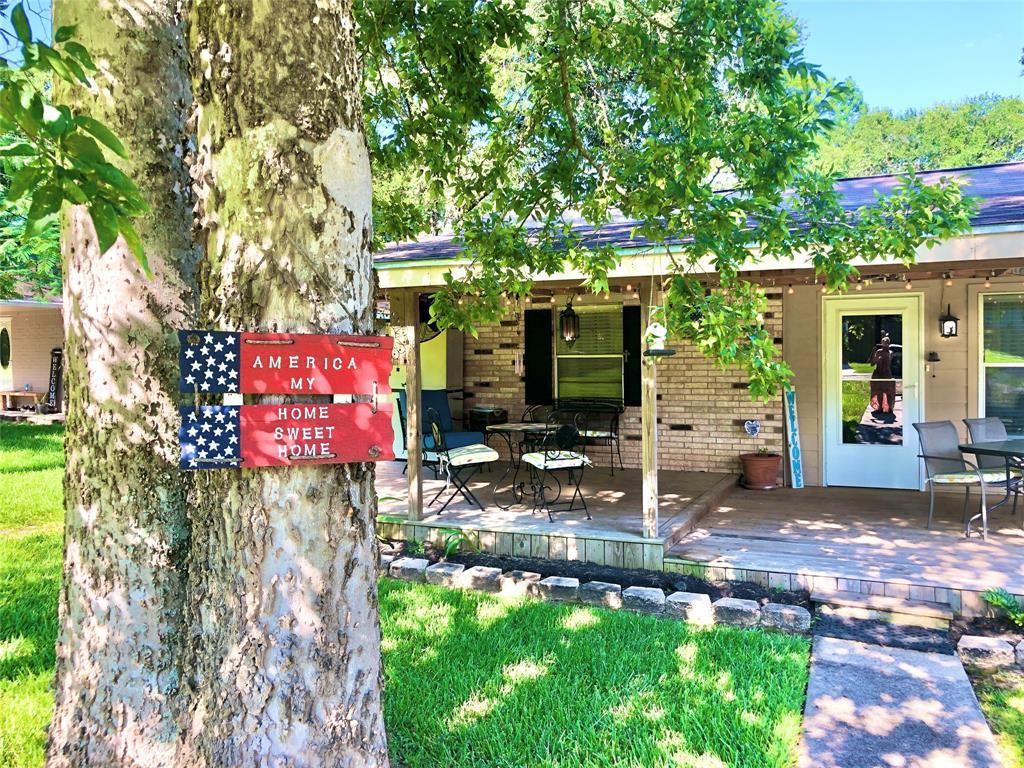 Photo for 23647 Horseshoe Bend, Montgomery, TX 77316 (MLS # 6230610)