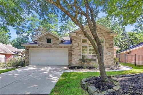 Photo of 130 E Foxbriar Forest Circle, The Woodlands, TX 77382 (MLS # 66466615)