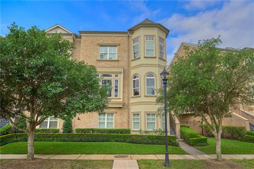 Photo of 19 Colonial Row Drive, The Woodlands, TX 77380 (MLS # 18843616)