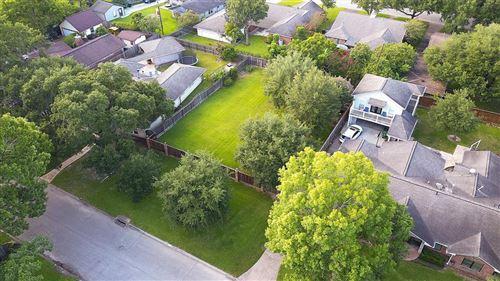 Photo of 4422 Silverwood Drive, Houston, TX 77035 (MLS # 69605617)