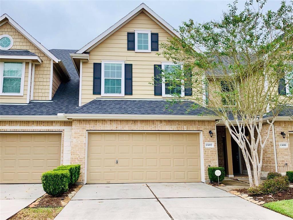Photo for 13007 Iris Garden Lane, Houston, TX 77044 (MLS # 54080622)